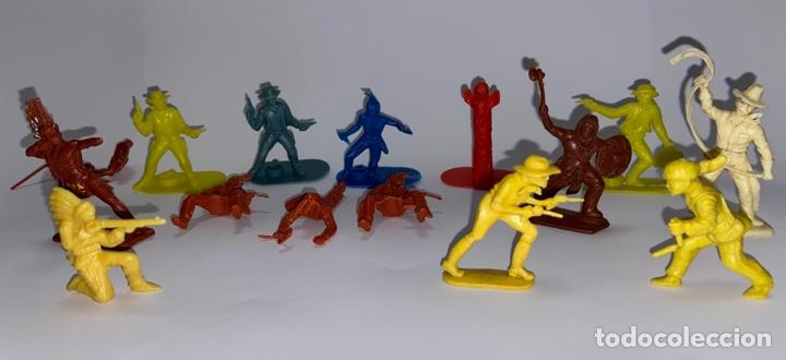 Figuras de Goma y PVC: LOTE FIGURAS DE INDIOS Y VAQUEROS - CRESCENT TOY / HARVEY SERIES / KELLOGG'S - Foto 2 - 277196433