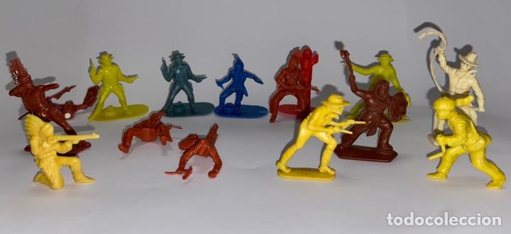 Figuras de Goma y PVC: LOTE FIGURAS DE INDIOS Y VAQUEROS - CRESCENT TOY / HARVEY SERIES / KELLOGG'S - Foto 3 - 277196433