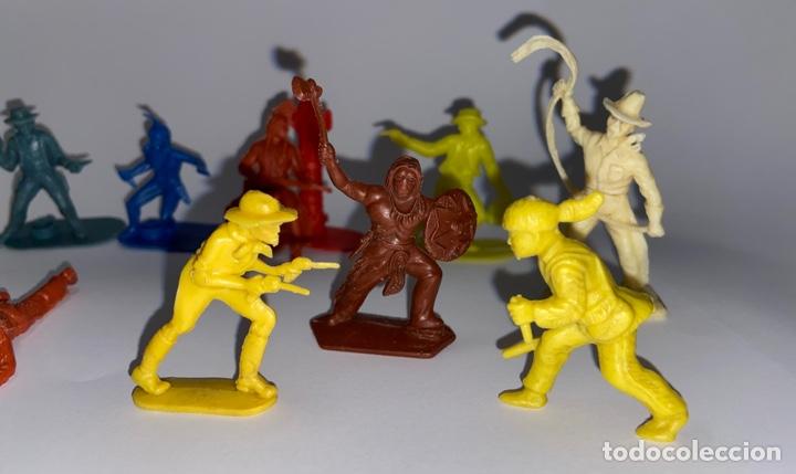Figuras de Goma y PVC: LOTE FIGURAS DE INDIOS Y VAQUEROS - CRESCENT TOY / HARVEY SERIES / KELLOGG'S - Foto 4 - 277196433
