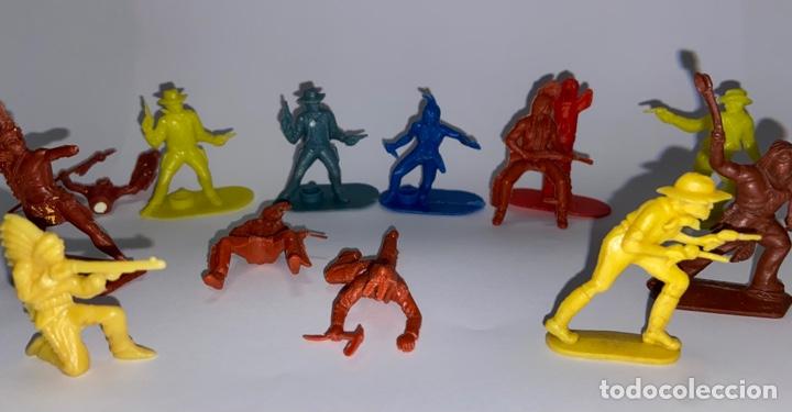 Figuras de Goma y PVC: LOTE FIGURAS DE INDIOS Y VAQUEROS - CRESCENT TOY / HARVEY SERIES / KELLOGG'S - Foto 5 - 277196433