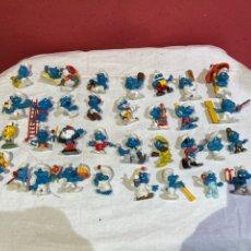 Figuras de Goma y PVC: LOTE DE 34 MUÑECA PITUFOS ANTIGUOS . VER FOTOS. Lote 277285548