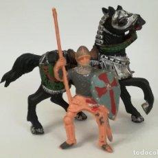 Figuras de Goma y PVC: FIGURAS DE PLÁSTICO GUERRERO MEDIEVAL REAMSA SERIE TORNEO CRUZADOS ARTURO REY LEÓN. Lote 277657933