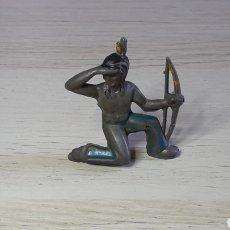 Figuras de Goma y PVC: FIGURA GUERRERO INDIO, FABRICADO EN GOMA, NEMROD BARCELONA, ORIGINAL AÑOS 50.. Lote 277852158
