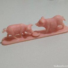 Figuras de Borracha e PVC: DUNKIN MONOCROMATICO MUÑECO ROCHE FEES FIGURA PROMOCIONAL FIGURA ANIMAL GRANJA PIG CERDO BELEN. Lote 278935868