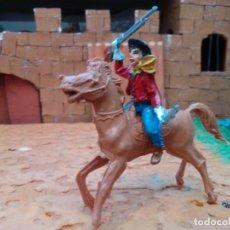 Figuras de Goma y PVC: VAQUERO Y CABALLO DE LAFREDO. Lote 278971768