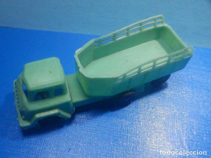 Figuras de Goma y PVC: Camión Plástico - Cabeza Tractora con remolque caja abierta - Ganado, Campo - Kiosko 60´s 70´s - Foto 6 - 280724528