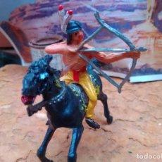Figuras de Goma y PVC: INDIO CON CABALLO DE COMANSI. Lote 285105163