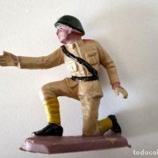 Figuras de Goma y PVC: FIGURA ARTILLERO SOLDADO RUSO PECH. Lote 285334873