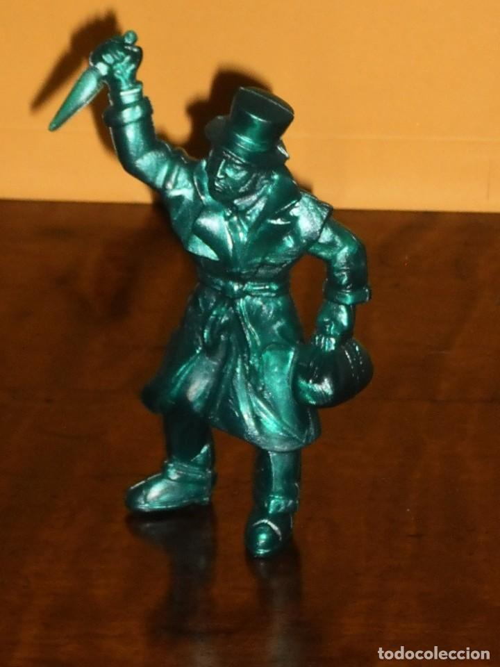 Figuras de Goma y PVC: FIGURA PVC YOLANDA SERIE MONSTRUOS - JACK EL DESTRIPADOR- AÑOS 90 MADE IN SPAIN - Foto 6 - 285737083