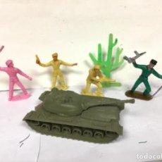 Figuras de Goma y PVC: SOLDADOS DEL MUNDO MILITAR COMANSI CON TANQUE Y CACTUS. Lote 286571673