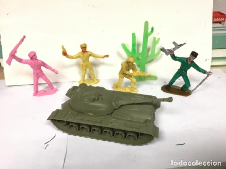 Figuras de Goma y PVC: SOLDADOS DEL MUNDO MILITAR COMANSI CON TANQUE Y CACTUS - Foto 2 - 286571673