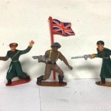 Figuras de Goma y PVC: MILITAR SOLDADOS DEL MUNDO COMANSI RUSO Y INGLES CON BANDERA. Lote 286572308