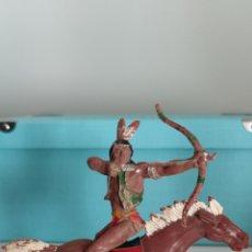 Figuras de Goma y PVC: INDIO Y CABALLO LAFREDO SERIE GRANDE AÑOS 50/60. Lote 286880803