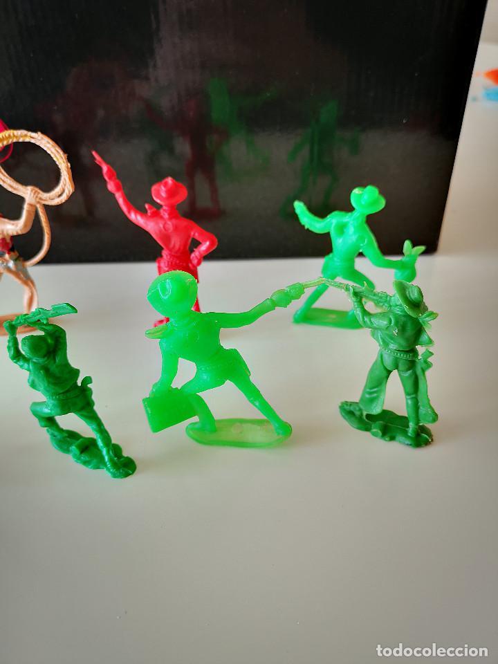 Figuras de Goma y PVC: GRAN LOTE DE FIGURAS PVC INDIOS Y VAQUEROS TIPO COMANSI - Foto 18 - 286928553