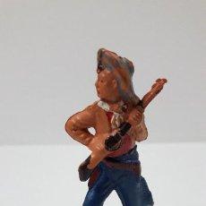 Figuras de Goma y PVC: VAQUERO AVANZANDO . REALIZADO POR GAMA . ORIGINAL AÑOS 50 EN GOMA. Lote 287734773