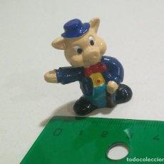 Figurines en Caoutchouc et PVC: CERDITO MINIATURA PIG CERDO SOMBRERO MINI MUÑECO FIGURITA. Lote 287891363