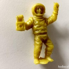 Figuras de Goma y PVC: FIGURA ASTRONAUTA CAMY JET. Lote 287947543