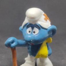 Figuras de Goma y PVC: PITUFO LESIONADO MULETA - BULLY - PEYO. Lote 288222048