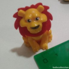 Figurines en Caoutchouc et PVC: LEON TERCIOPELO KINDER NATOONS LION MUÑECO ANIMAL FIGURA. Lote 287578018