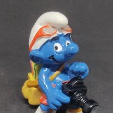 Figuras de Goma y PVC: PITUFO FOTOGRAFO - SCHLEICH - PEYO 98 - MADE IN CHINA. Lote 288223378