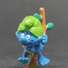 Figuras de Goma y PVC: PITUFO SALVAJE - SCHLEICH - PEYO 88 - TARZAN VERDE. Lote 288224168