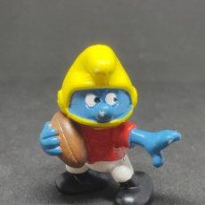 Figuras de Goma y PVC: PITUFO FUTBOL AMERICANO - NUMERO SIN PINTAR - SCHLEICH - PEYO 1980 - RUGBY. Lote 288331003