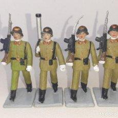 Figuras de Goma y PVC: REAMSA - GOMARSA SOLDIS : ANTIGUO LOTE DE 4 SOLDADOS DE GOMA DESFILE DE INFANTERIA ESPAÑOLA AÑOS 70. Lote 288603058