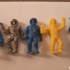 Figuras de Goma y PVC: LOTE X5 FIGURAS PROMOCIONALES ASTRONAUTAS COSMONAUTAS CAMYJET AÑOS 60/70 TIPO DUNKIN.. Lote 288657673