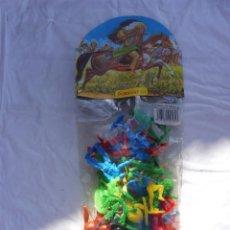 Figuras de Goma y PVC: BOLSA PAQUETE GOMARSA INDIOS Y COWBOYS 4 CABALLOS CACTUS INSIGNIA SHERIFF OREGÓN. Lote 288980848