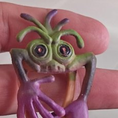 Figuras de Goma y PVC: MONSTRUOPINZA MARCAPAGINAS GOMA PLASTICO 6,5 CMS ALTO. Lote 288986788