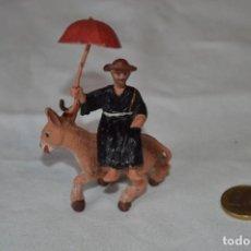 Figuras de Goma y PVC: VINTAGE - CURA CON PARAGUAS, SOBRE BURRITO - SIMILAR A JECSAN, OTROS - MADE IN SPAIN -- ¡MIRA FOTOS!. Lote 289437013