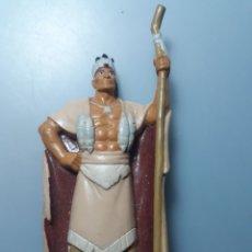 Figuras de Goma y PVC: FIGURA DEL JEFE POWHATAN , DE POCAHONTAS, DISNEY. Lote 289527683