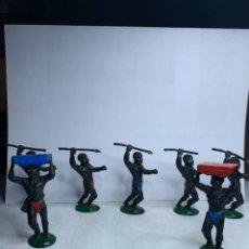 Figuras de Goma y PVC: LOTE DE 7 GUERREROS AFRICANOS FABRICADO POR LAFREDO. AÑOS 50. Lote 290109093
