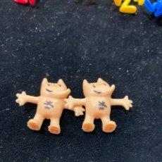 Figuras de Goma y PVC: LOTE DE 2 MUÑEQUITOS DUNKIN COBI. Lote 290515638