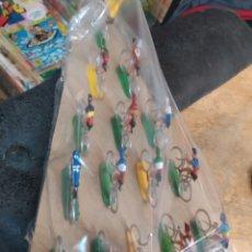 Figuras de Goma y PVC: VUELTA CICLISTA PELOTON DE 15 CICLISTAS MARIANO SOTORRES.. Lote 290358433