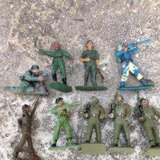 Figuras de Goma y PVC: SOLDADOS ANTIGUOS PLÁSTICO AÑOS 60/70. Lote 292523813