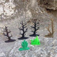 Figuras de Goma y PVC: ARBOLES SECOS Y CACTUS FIGURAS DE PLÁSTICO AÑOS 60/70. Lote 293350568