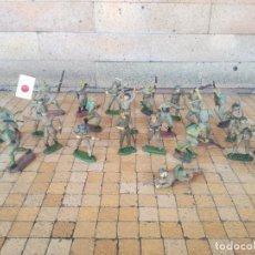 Figuras de Goma y PVC: PECH. EXCEPCIONAL LOTE DE 25 SOLDADOS JAPONESES EN GOMA REAMSA,JECSAN. PUENTE RIO KWAI AÑOS 50. Lote 293656013