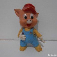 Figuras de Goma y PVC: MUÑECO DE GOMA CERDITO, DISNEY, FAMOSA, MADE IN SPAIN. Lote 293722563