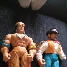 Figuras de Goma y PVC: INDIO Y COWBOY. Lote 293740363