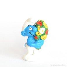 Figuras de Goma y PVC: PITUFO CON RAMO DE FLORES. SCHLEICH 2000 - PEYO 20469. Lote 293998688