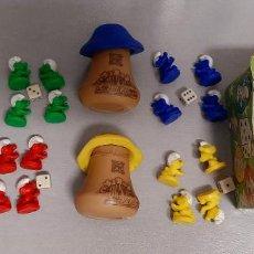 Figuras de Goma y PVC: JUEGO PARCHIS DE LOS PITUFOS JUGUETE COMANSI FIGURAS GOMA PEYO ANTIGUO CASA SETA CUBILETE. Lote 294097573