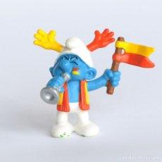 Figuras de Goma y PVC: PITUFO HINCHA- ANIMADOR DE FUTBOL . SCHLEICH - PEYO 2003 -- RARO. Lote 294104848
