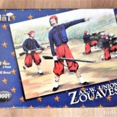 Figuras de Goma y PVC: ANTIGUAS FIGURAS EN PLASTICO SOLDADOS ZUEVOS. HAT ACW UNION ZOUAVES ESCALA 1/32 . 24 PIEZAS. Lote 295867078