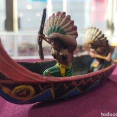 Figuras de Goma y PVC: PECH CANOA CON INDIOS. Lote 295972623