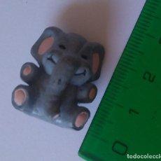Figuras de Goma y PVC: ANIMAL EMULANDO UN PELUCHE DE GOMA PVC MINIATURA ANIMALITO MINI FIGURITA ELEFANTE. Lote 295977903