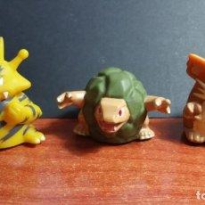 Figuras de Goma y PVC: 3 MUÑECOS FIGURA POKEMON NINTENDO ODDZON 2000. Lote 296612153