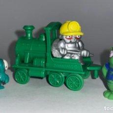 Figuras de Goma y PVC: LOTE DE 3 FIGURAS Y TREN DE ZOMLINGS - MAGIC BOX TOYS GOMA. Lote 296818933