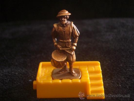 KINDER - SOLDADO CON TAMBOR GUARDIA SUIZA - AÑO 1996 - K96 Nº 76 (Juguetes - Figuras de Gomas y Pvc - Kinder)