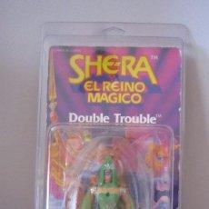 Figuras Masters del Universo: DOUBLE TROUBLE SHE-RA SHERA REINO MAGICO SPAIN SPANISH HE-MAN MOTU EN BLISTER. Lote 86265000